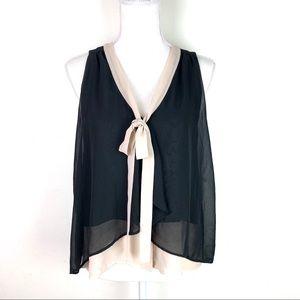 Paper Crane Black Tan Flowy Sleeveless Blouse